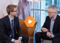 Jak oszczędzać, a jak inwestować? Radzi Łukasz Bugaj z AXA TFI