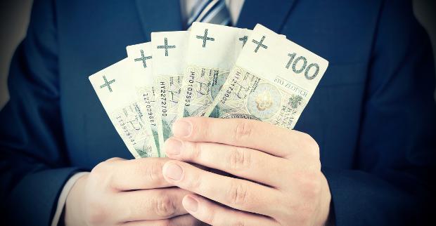 Banki puchną od oszczędności Polaków