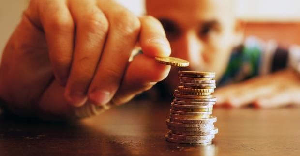 Na obniżeniu opłat zyskaliby klienci